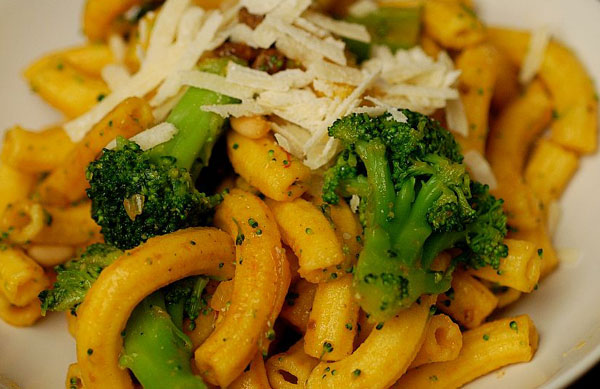 Pasta Bow Ties With Broccoli, White Beans, Pine Nuts And ...