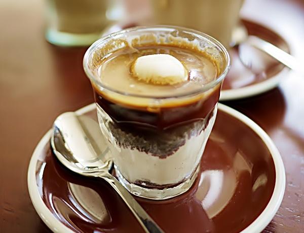 Piccolo Affogato al Caffe drink recipe - piccolo affogato al caffe ...